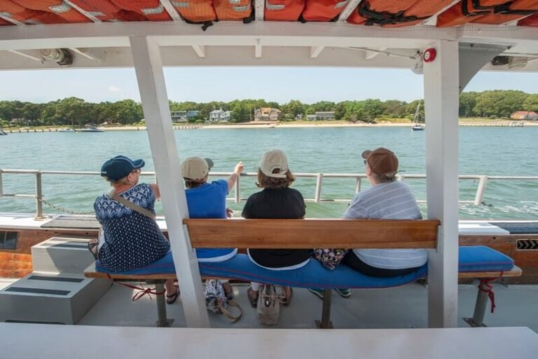Boat rentals, boat rides and private boat charters in the Hamptons - American Beauty Cruises & Charters